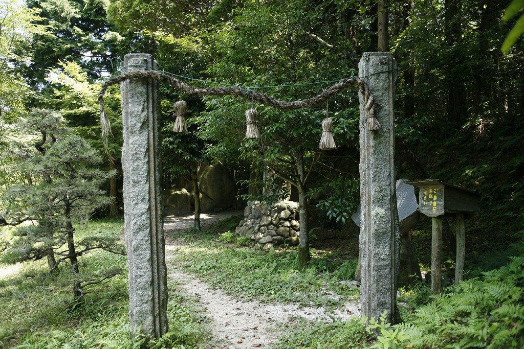 The_Entrance_to_Underworld_bentrance to Yomi (the Japanese underworld) called Yomotsu Hirasaka is located in the eastern part of Matsue.
