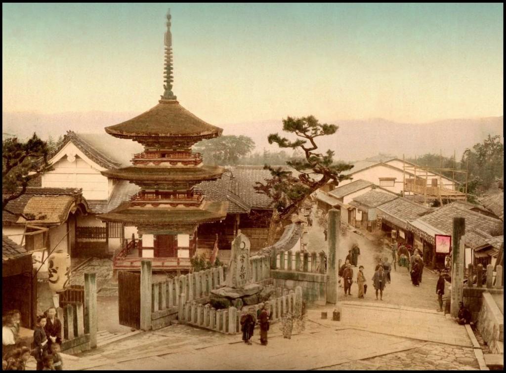Kiyomizu en Kioto, T. Enami, ca. 1892-95.